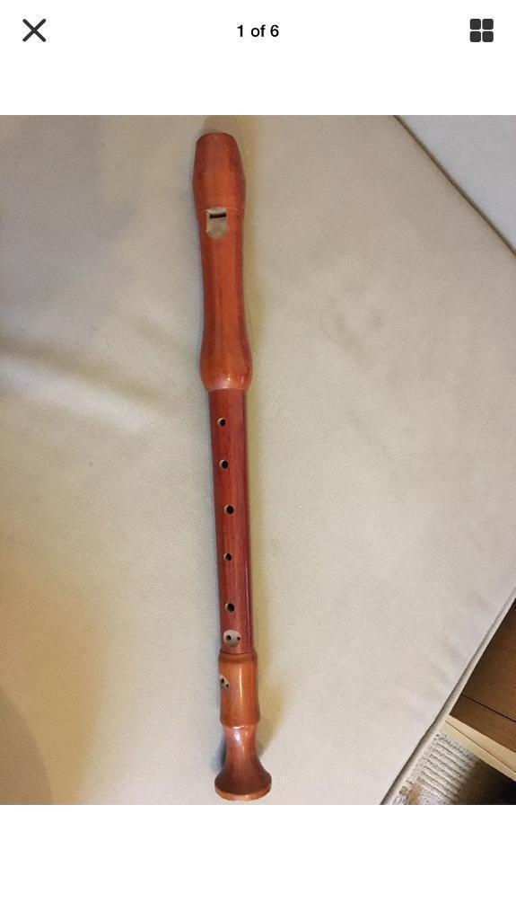 Vintage Treble recorder ..schott concert ..around 50 years old