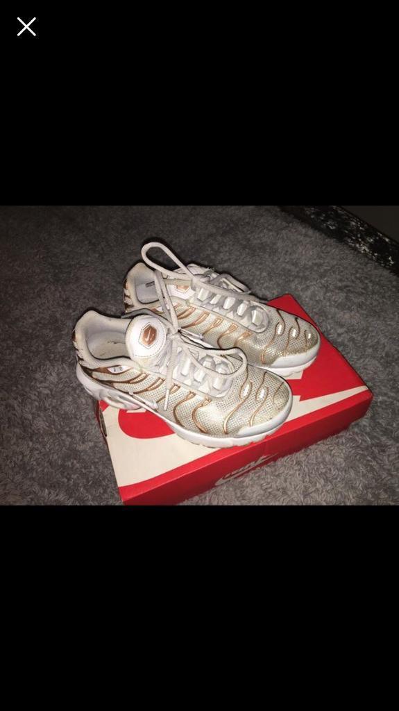 c9b65505d368 Rose gold Nike tns size 5
