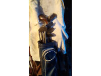 GOLF CLUBS MISMATCHED SET, IDEAL FOR STARTERS. BAG INCLUDED WITH TEES ETC
