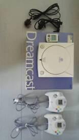 Sega Dreamcast + 2 games + 2 Controllers