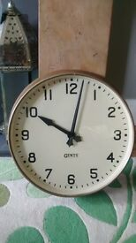 Gents of Leicester 18 inch factory/station wall clock