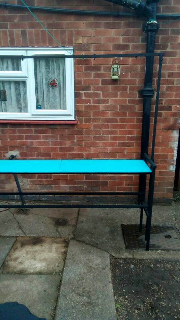 DJ table in good condition