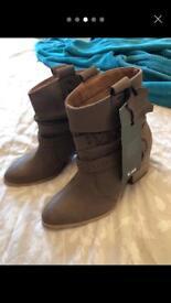 TU leather tan boots