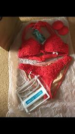 Nicole Olivier challand bikini rouge size 10