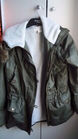 H&M (L.O.O.G) – Green Hooded girls coat – size euro 34