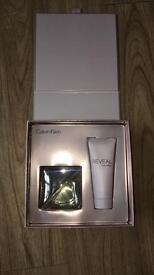 Calvin Klein reveal perfume set