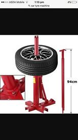 Portable tyre machine