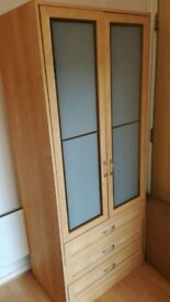 Solid Oak wardrobe in Excellent condition (Both shelves and drawers).