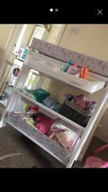 Baby changeing station