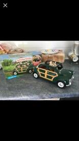 Sylvanian Families green family car & figures
