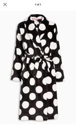 Ladies/girls dressing gown Brand new