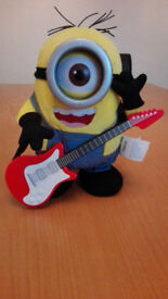 Minions Movie Talking Rock N Roll Stuart - COLLECTION HERTFORD TOWN