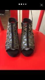 ladies black beaded sandal