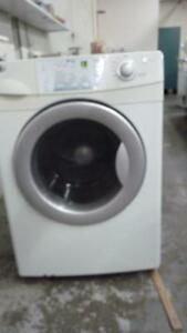 21-  Laveuse Sécheuse Frontales MAYTAG NEPTUNE  Frontload Washer Dryer