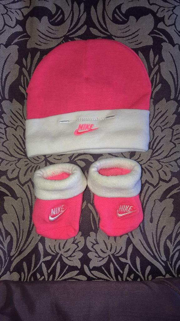 Baby Nike hat and socks  80d8c9e4c0d