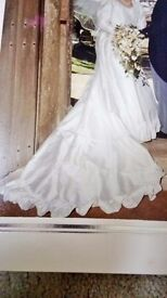 Stunning White silk Dress with Veil and Train