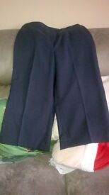 WOMENS SIZE 16 CROP TROUSERS 'NEW' NAVY BLUE