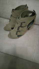 Shoes River Island size 6