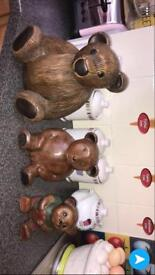 3 wooden carved bears