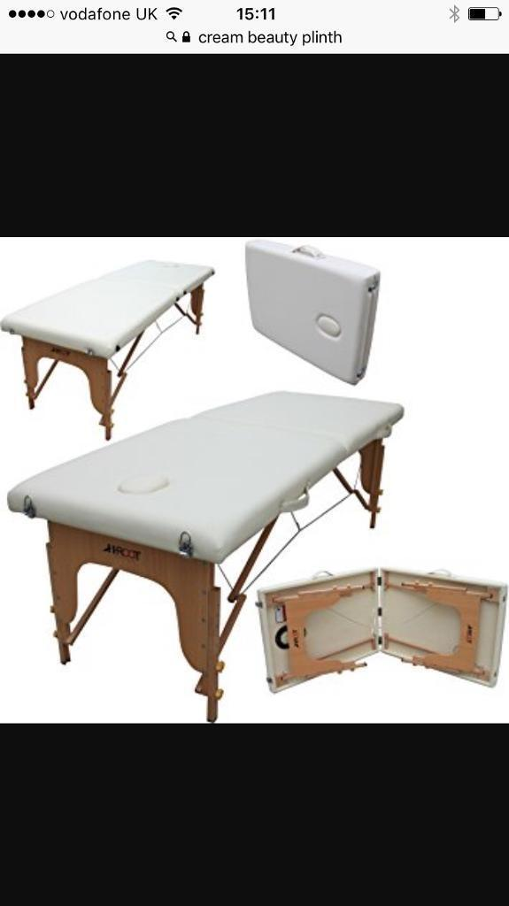 Beauty therapy bed / plinth