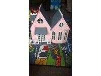 dolls house/sylvanian families house