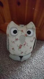 Pretty owl doorstop