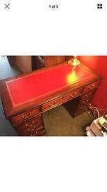 Pedestal writing desk
