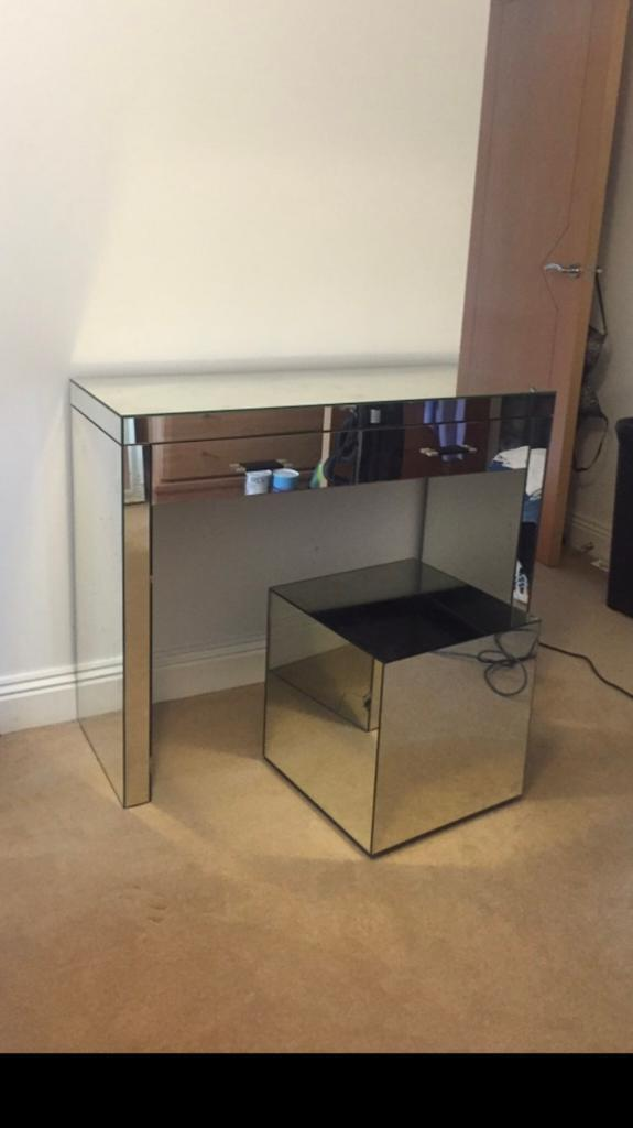 Mirror effect dressing table and stool