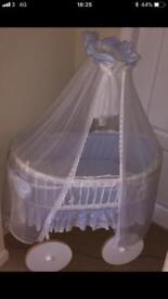 Moses basket & Bedding
