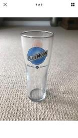 12 x Blue Moon 1/2 Pint Glasses - Brand New
