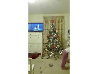Led pre-lit artificial Christmas tree + Christmas decorations