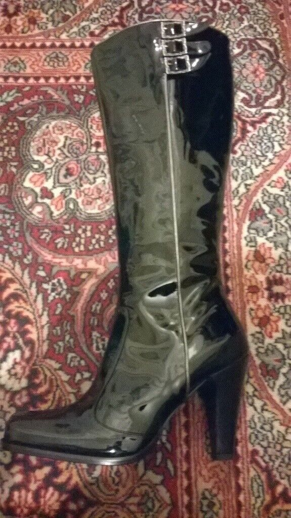 Black Patent Leather High-heeled Boots (UK 4)
