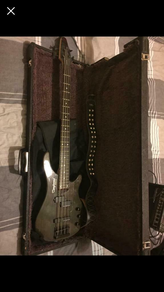 7cc05410e8 Tanglewood Rebel 4K Bass guitar with hard case, carry bag and Watson Amp.