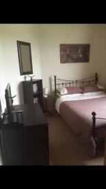 Spare room to rent in functioning family home £25 per night