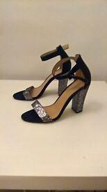 UKSize8 Black&Sliver glittered party high heels