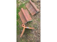 Roll top ridge tile