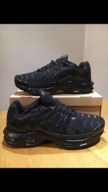 Bargain black Nike air max tn sizes 8 and 9 brand new in box £30 rrp £109.99