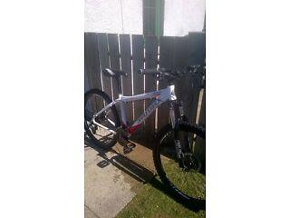 "diamondback ridge 16"" mountain bike, new tyres, pedals and grips. bargain!! may p/x"