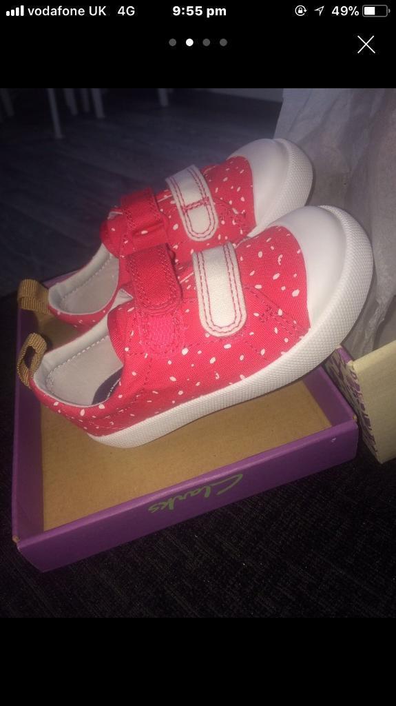 Clark's toddler Girl shoes 5G