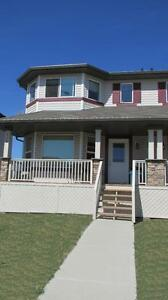 SPACIOUS Pet Friendly FAMILY DUPLEX IN LEDUC  with double garage