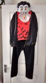 Age 9-10 Vampire Fancy Dress Costume Dressing Up Outfit