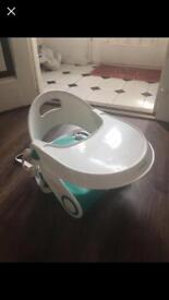 Baby folding booster chair with tray