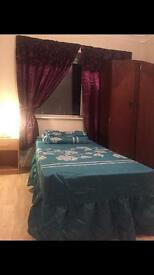 Single bedroom/students only