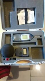 Casella CEL-24X Integrating Octave Band Sound Level Meter Kit Measurement With Calibrating Unit
