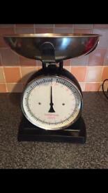Balance large kitchen scales