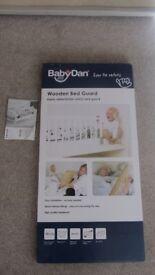 BabyDan Wooden Bed Guard (in Natural)