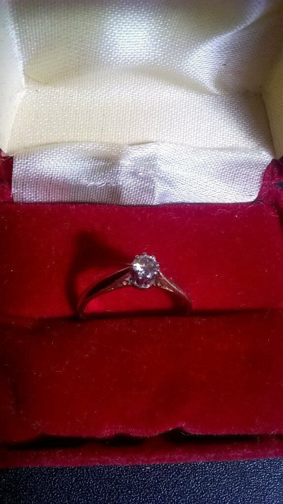 18 ct Yellow Gold Diamond Ring 44mm Stone Solitaire Size Kin Atherstone, WarwickshireGumtree - Beautiful 18ct gold ladies single solitaire ring 4mm wide Stone Diamond 0.25ct Yellow gold Size K Very good used condition Made in Birmingham Date letter G
