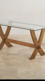 Oakland glass table
