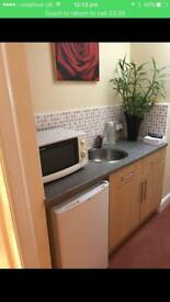 EN-SUIT DOUBLE ROOM TO LET WITH OWN ENTRANCE INCL ALL BILLS £390