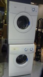 108-   Laveuse Sécheuse Frontales MINIS INGLIS  24'' Frontload Washer Dryer